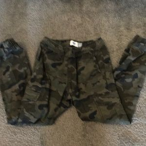 Old navy Camouflage jogger pants for boys size 8